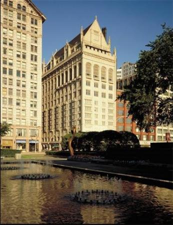 University Club of Chicago: Exterior View