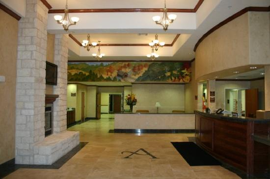 Arbor Inn and Suites: Lobby view