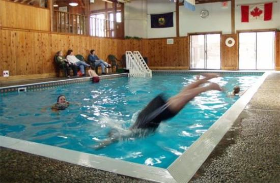 Mountainside Resort At Stowe: Heated indoor pool