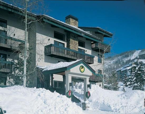 Ptarmigan House: Exterior Winter