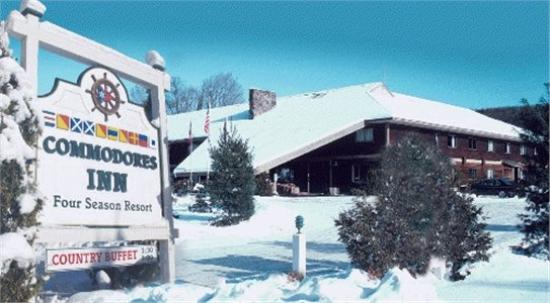 ‪‪Commodores Inn‬: Winter wonderland at Commodores Inn!‬