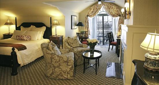 Saybrook Point Inn & Spa: King Bedded Room