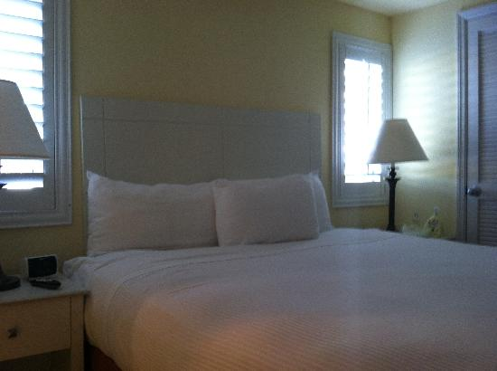 Inn at the Beach: King size bed.