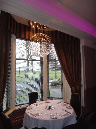 Number 10 Hotel: Dining Room