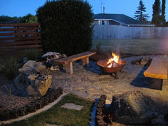 Lumsden New Zealand  city images : Lumsden, New Zealand: Fire pit in the garden