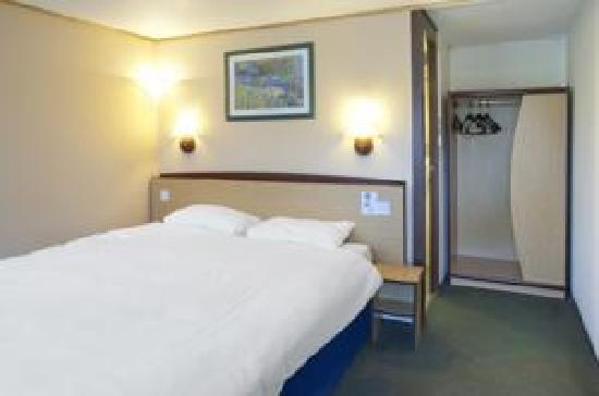 Premiere Classe Coventry Hotel: Double Bed 3