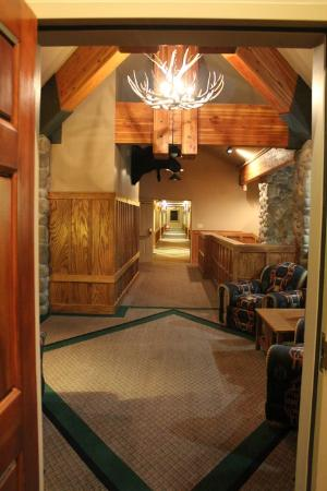 River Rock Lodge: looking out the door into the hallway