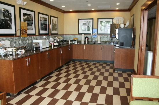 Hampton Inn Chicago/Gurnee: Breakfast Area
