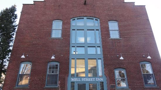 Mill Street Inn: the front of the inn
