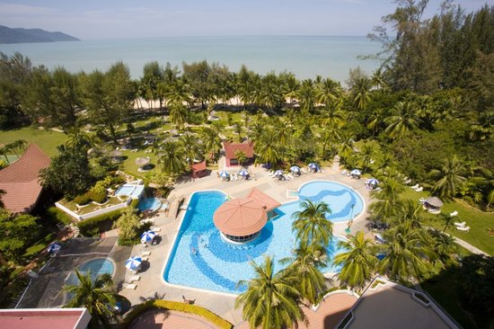 Bayview Beach Resort: Main Pool &amp; Garden