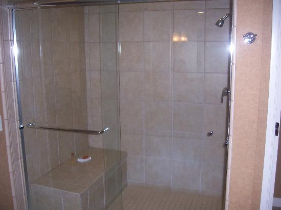 Gold Country Casino &amp; Hotel: What a Shower!