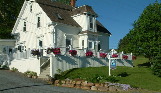 Edgewater Bed & Breakfast