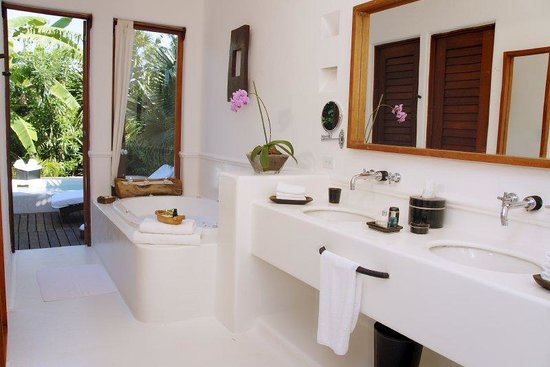 Esencia: Garden Suite - Bathroom