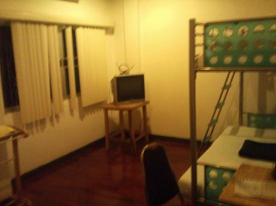 Sukhumvit On Nut Guesthouse: double room aircon