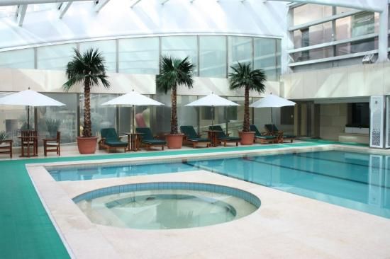 Raffles Beijing Hotel: Swimming pool