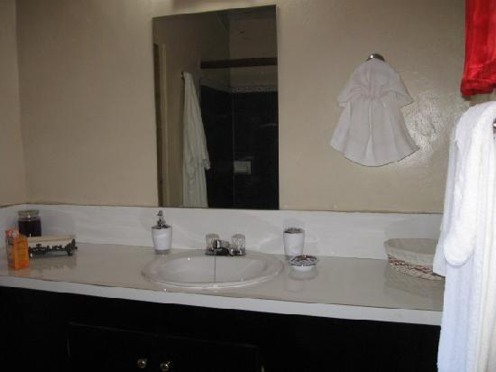 Ellen Bay Inn: Bathroom