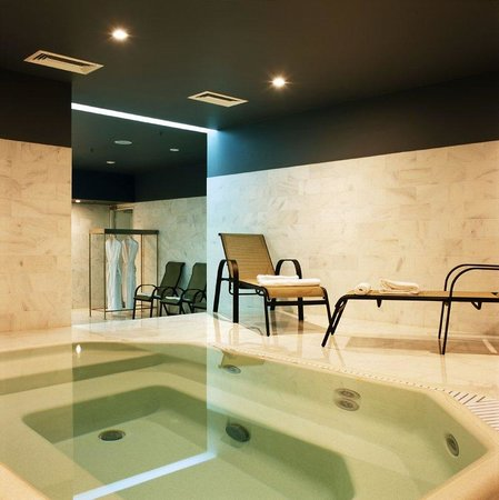 Golden Apple Boutique Hotel: Jacuzzi