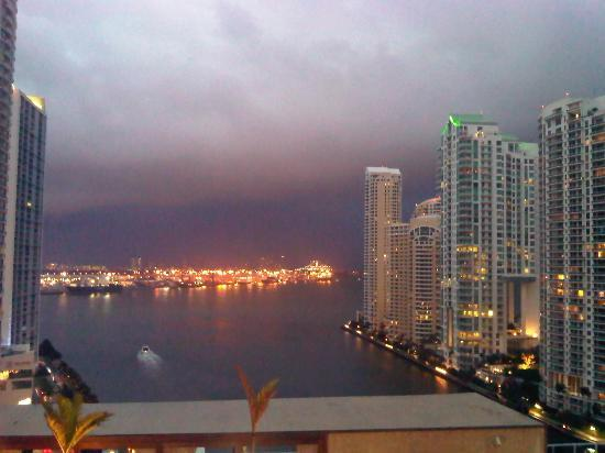 EPIC Hotel - a Kimpton Hotel: View from my room onto the harbor