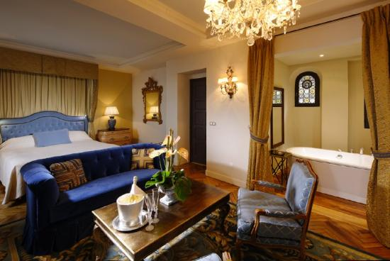 Chateau Eza: Junior Suite
