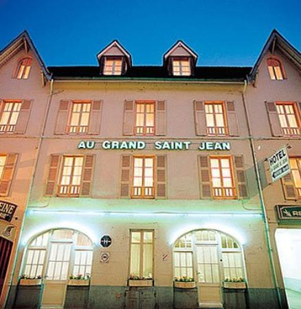 Hotel au Grand Saint Jean: Exterior