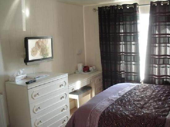 Lyme Bay House: Room 7 - Double En-Suite
