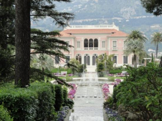 Jardin picture of villa jardins ephrussi de rothschild for Jardin villa rothschild