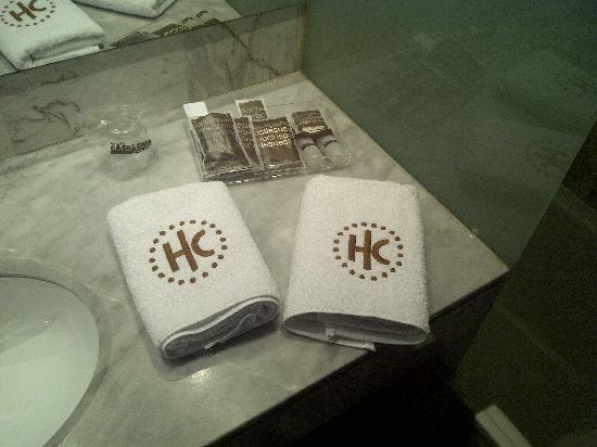 Gran Hotel Verdi : bathroom amenities