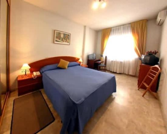 Photo of Apartamentos & Suites Internacional Madrid