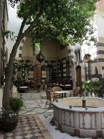 Beit Al Mamlouka: The calm courtyard off the bustling streets of the old city