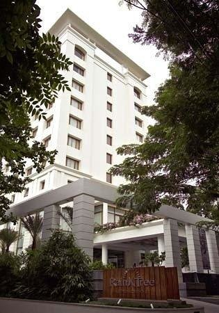 The Raintree Hotel, St.Mary's: serene location