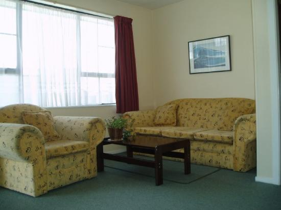 Econo Lodge Canterbury Court: Suite