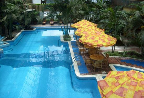 Grand Tikal Futura Hotel: Seiming Pool