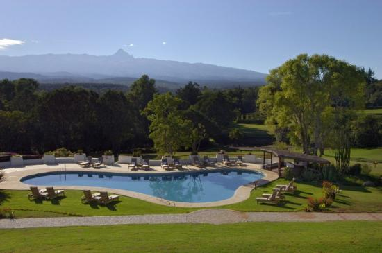 Fairmont Mount Kenya Safari Club: Mountain and Pool View