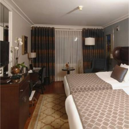 Guest Room - Picture of Titanic City Hotel, Istanbul ...