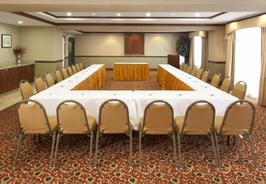 Country Inn & Suites Woodbridge: Meeting Room