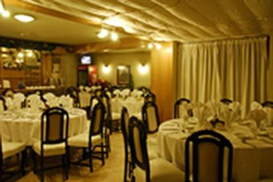 Windsor Suites: Restaurant