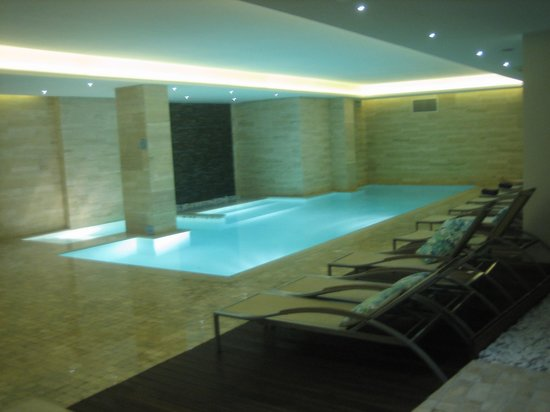The George Hotel : The indoor pool at the Sanctuary Spa.