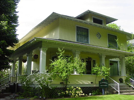 ‪‪McFarland Inn Bed and Breakfast‬: Front view of The Mcfarland Inn‬