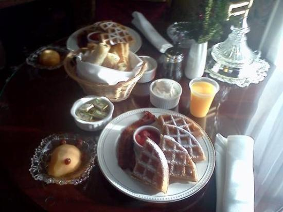 Oscar H. Hanson House Bed & Breakfast: Delectable breakfast