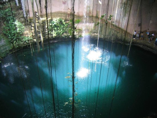 Yucatan, : Cenote Ikil