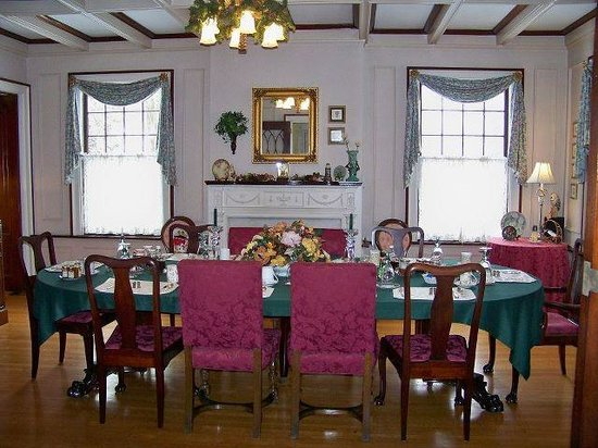 The Mountain Laurel Inn: Dinning Room