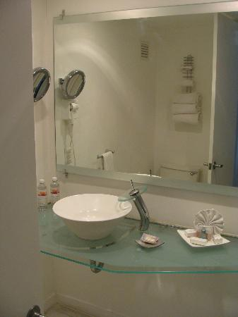 Crowne Plaza Mazatlan: Bathroom