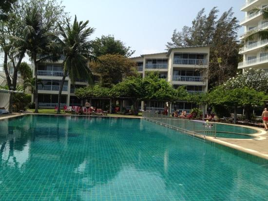 Chom View Hotel: a view from the sea