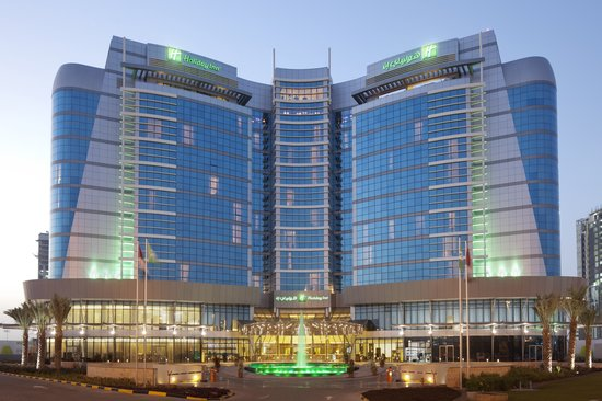 Holiday Inn Abu Dhabi: Sleek modern Holiday Inn located @ centre of Abu dhabi island