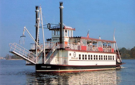 The elegant River Lady cruises the Toms River