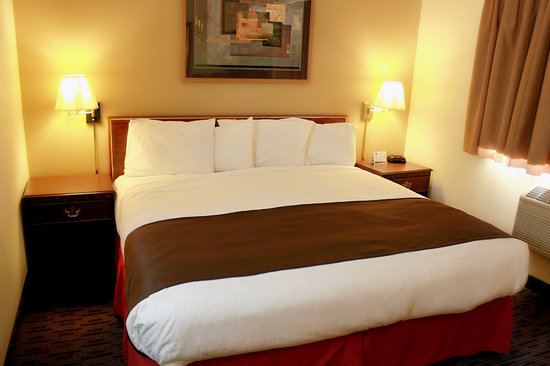 AmericInn Lodge &amp; Suites St. Cloud: Enjoy your stay in one of our King rooms