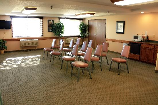 AmericInn Lodge &amp; Suites St. Cloud: Our meeting room can accomodate up to 35 people, set up any way you need.
