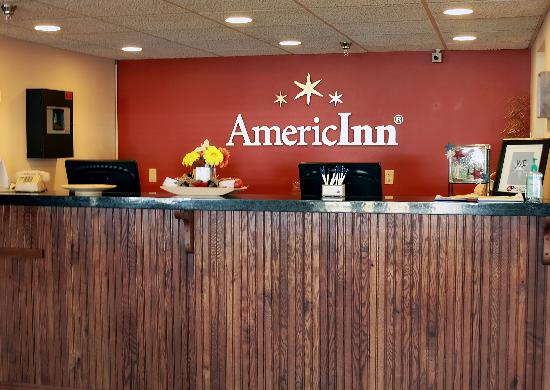 AmericInn Lodge &amp; Suites St. Cloud: Come meet our friendly staff at the reservation desk.