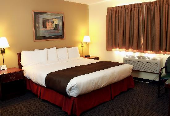 AmericInn Lodge &amp; Suites St. Cloud: Our spacious King Whirlpool Room. Relax and Enjoy