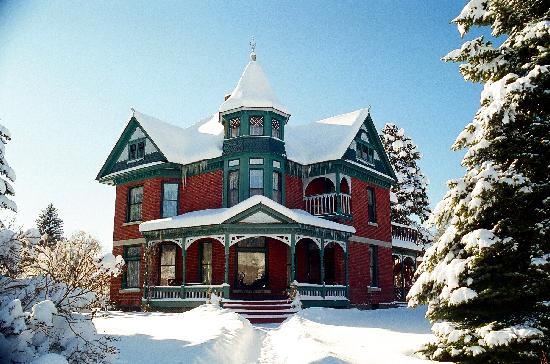 Bozeman's Lehrkind Mansion Bed and Breakfast: Bozeman is in a winter wonderland - skiing, Yellowstone, hot springs, shopping, restaurants.....